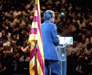 Artur Mas durante un mítin de CiU. (EFE)