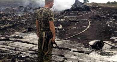 El avión malasio siniestrado con 295 personas recibió el impacto de un misil