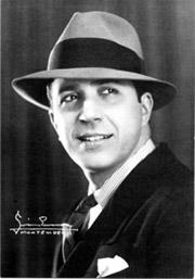Carlos Gardel, el más grande cantor de tangos de todos los tiempos…