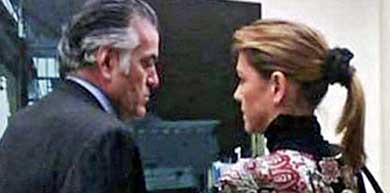 María Dolores de Cospedal con Luis Bárcenas en el Senado… antes del 'no despido'. Foto ELPLURAL.COM