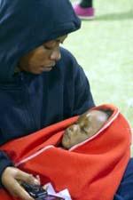 Princesa, una bebé de diez meses llega sola en una patera a Tarifa