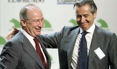 Los expresidentes de Caja Madrid, Miguel Blesa (dcha) y Rodrigo Rato. EFE/Archivo