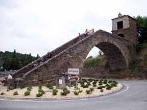 Portomarín, cuna de los Caballeros de Santiago y perla del Camino Francés