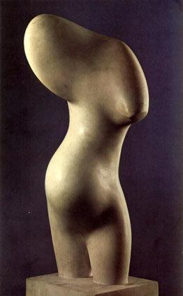 Una de las singulares esculturas de María Antonia Román Prado