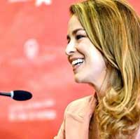 """Silvia Abascal recibe el premio """"Ciudad de Huesca"""" de la 43 edición del Festival Internacional de Cine"""