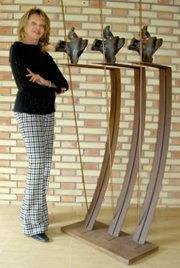 La escultora brasileña Liane Katsuki