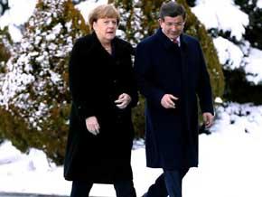 Turqu�a y Alemania quieren ayuda de la OTAN para detener a traficantes