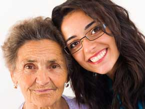 La ayuda imprescindible de los mayores