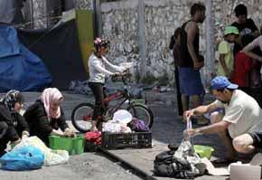 Grecia supera los 54 mil migrantes y refugiados en su territorio