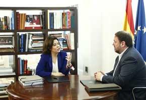 Junqueras le dice a Soraya a la cara que Catalu�a se va a independizar en 15 meses
