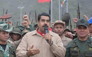 Maduro pide a militares combatir 'invasiones' con la vida