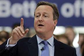 Premier británico alerta que salir de la UE sería la