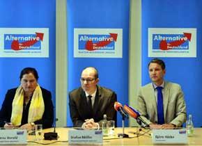 Derecha radical alemana acusa a la iglesia de hacer negocio con refugiados