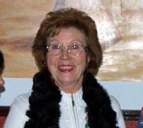 """May Gracia, autora del libro de cuentos """"Escalera de nubes"""""""