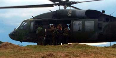 Accidente de helic�ptero en Colombia deja 17 militares muertos