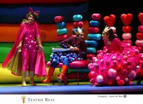 Teatro Real de Madrid: de la pasarela al estadio Santiago Bernabeu