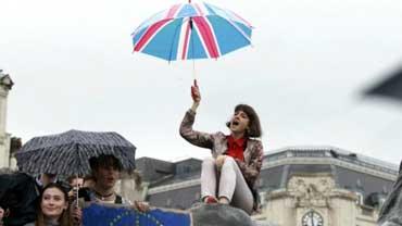 Manifestantes en Trafalgar Square (Londres) a favor de la permanencia del Reino Unido en la UE.