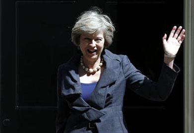La Comisión Europea confía en que May inicie pronto el proceso de salida del Reino Unido