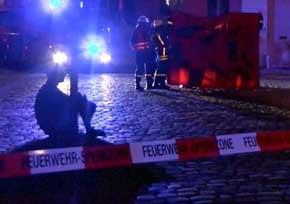 La polic�a de Alemania inspecciona el restaurante ubicado cerca del lugar de la explosi�n.