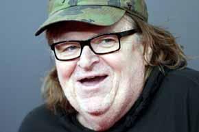 El documentalista estadounidense Michael Moore anticipa el triunfo del magnate