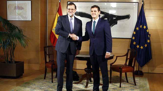 Rajoy ofrece a Rivera un 'amplio acuerdo por la regeneración' que incluya justicia independiente y menos aforados