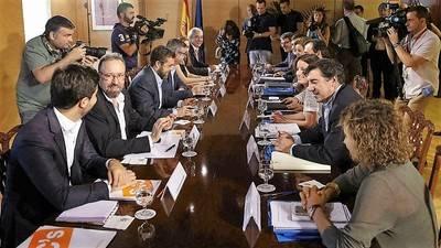 Rajoy inicia las negociaciones con Ciudadanos sin el apoyo del PSOE
