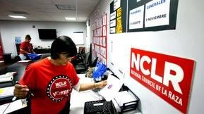 De 27 millones de votantes hispanos, 52% se identifica como dem�crata y 9% como republicano, se�ala reporte de Nielsen