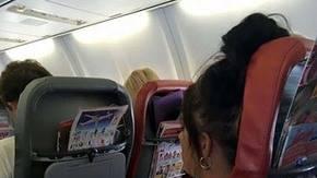 La lecci�n de una madre a la chica que pidi� que hicieran callar a su hija en pleno vuelo