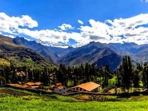 Huaraz, ciudad fundada en 1574, significa Amanecer en quechua.