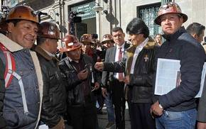 Morales pide a mineros no imponer peticiones con dinamitazos o bloqueos