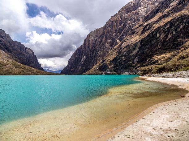 Hermosas lagunas de color turquesa, visitadas por turistas nacionales e internacionales.