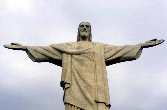 Leyenda del Cristo Redentor: La viajera y el abrazo