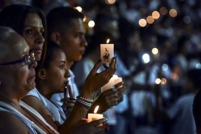 Cientos de personas homenajearon el recuerdo de las víctimas este  jueves en Colombia