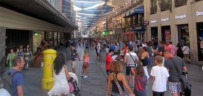 Una de las principales arterias comerciales del centro de Madrid