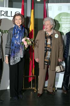 La reina Doña Sofía visita el Rastrillo de Nuevo Futuro
