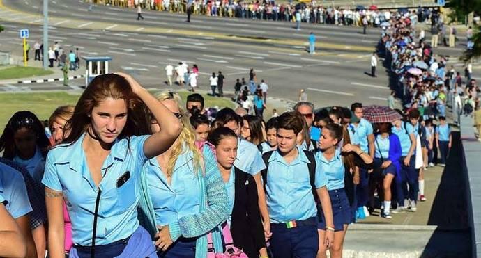 Cuba rinde el primer homenaje masivo a Fidel Castro en la Plaza de la Revolución