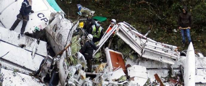 76 muertos en accidente aéreo donde viajaba equipo de fútbol brasileño