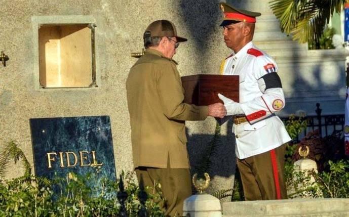 Así fue enterrado Fidel Castro en Santiago de Cuba