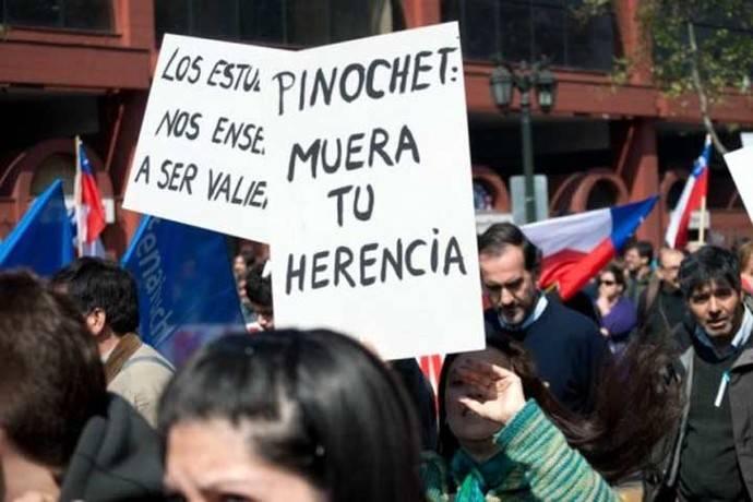 Diez años de la muerte de Pinochet: su modelo económico perdura, pero su figura se desvanece