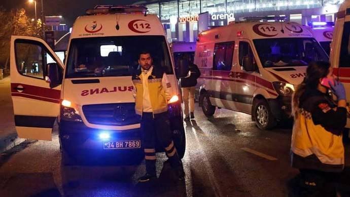 Atentado con coche bomba cerca del estadio Besiktas en Estambul