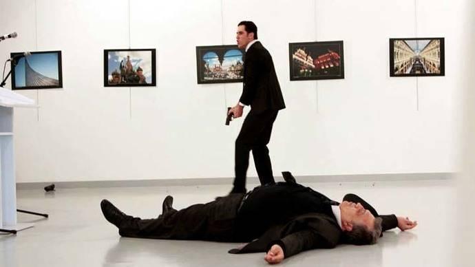Un policía asesina al embajador de Rusia en Turquía