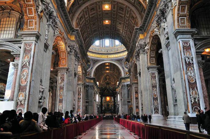 El Papa nombra a una mujer para dirigir los museos del Vaticano