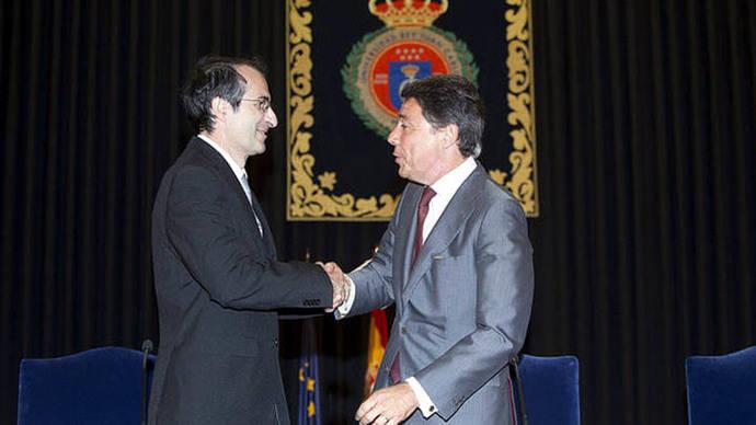 El rector de la Universidad Rey Juan Carlos no dimite, adelanta las elecciones y valora presentarse