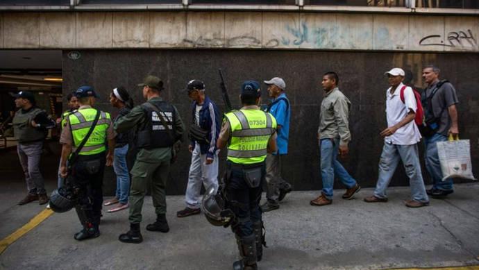 Al menos 3 muertos en los disturbios por la falta de dinero en efectivo en Venezuela