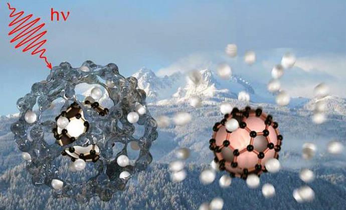 Nanogotas de helio para confirmar que hay fullerenos cargados en el espacio