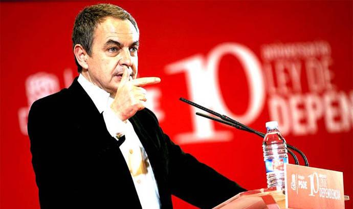 Zapatero insufla ánimos al PSOE en el Congreso y se muestra 'optimista' sobre el futuro del partido