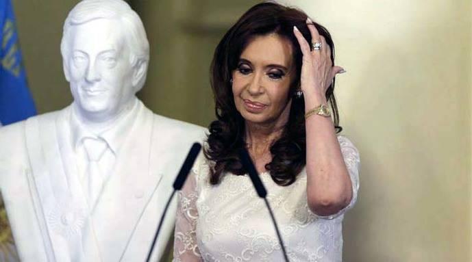 Procesan por primera vez a Cristina Fernández por corrupción