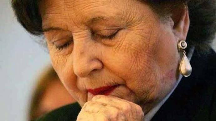 Chile: Ingresan en el hospital a la viuda de Pinochet por problemas respiratorios