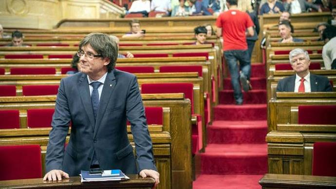Puigdemont avisa a Rajoy de que en 2017 habrá un referéndum