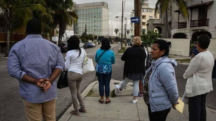 Cubanos miden impacto en sus vidas de las medidas migratorias de EEUU